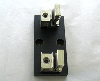LJ60200-1C Littelfuse Fuse Block 600V 200A Single Pole USED